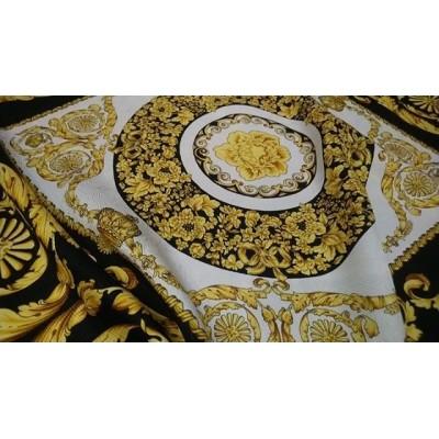 Яркий, красивый Шелковый жаккардовый платочек Versace 👑, размер 0.9*0.9 м, состав 100 %шелк . Цена 2400 руб 🌺  #тканииталии #магазинтканей #выкройки #бурда #шифон #шелк #Махачкала #тканииталии💞палантиныплатки #алматы #ателье #ткани #тканимосква #тканиопт
